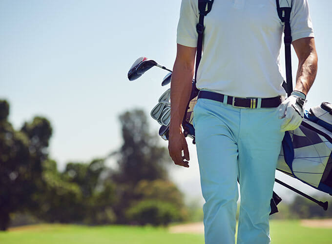 In the surroundings of Sa Nau you will be able to practice sports such as golf